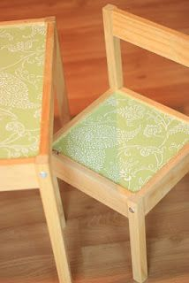 Making that plain Ikea kid's table into your own with a little Con-Tact paper!