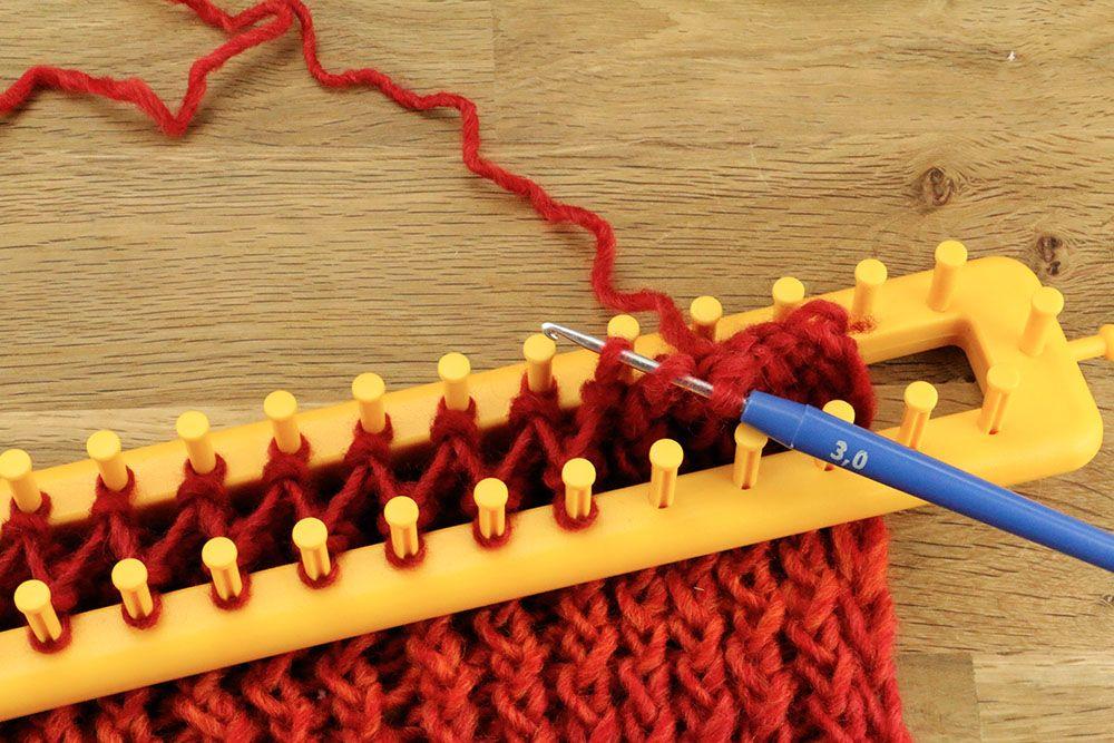 apprendre a tricoter avec un crochet   Tricotin long ...