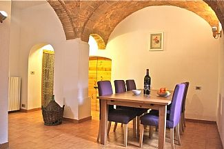 House in Corfinio, Abruzzo, Italy - Kitchen and dining area http://www.ownersdirect.co.uk/italyb/IT11386.htm