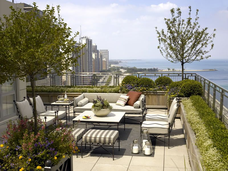 Urban Rooftop Garden Located In The Historic Palmolive Building Offers An  Intimate Entertaining Terrace While Framing And Enhancing Dramatic Vistas  Of The ...