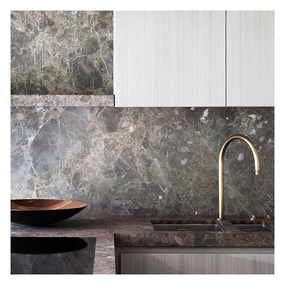 Interior Design Vs Architecture Reddit: Straight Vs. Curved #obumexkitchen #minimalism #marblelove