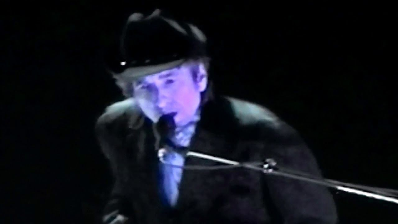 bob dylan the perfect christmas song fantastic live performance