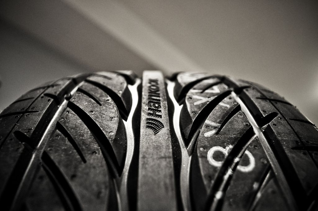 Used Hankook Tires Ventus Tyre Brands Mechanic Shop Car Parts
