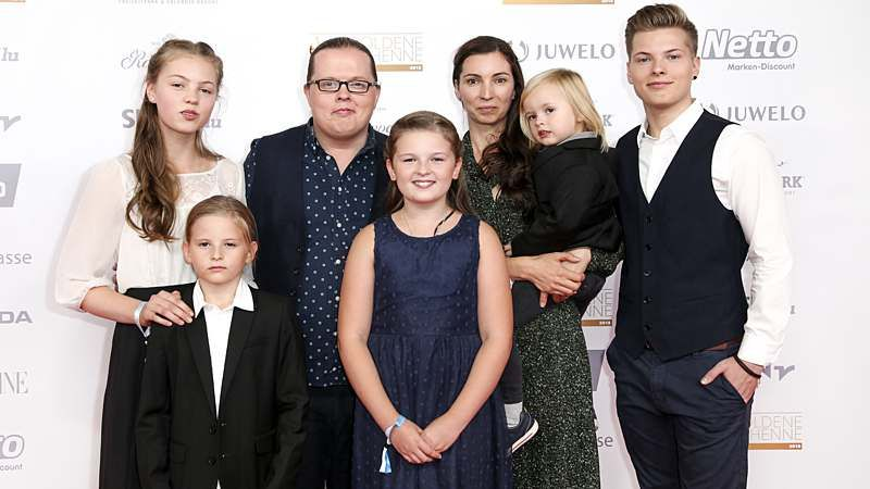 Angelo Kelly Baby Hammer Jetzt Packt Ehefrau Kira Aus Intouch Angelo Kelly Baby News Angelo Kelly Family