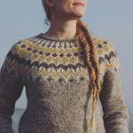 """121 gilla-markeringar, 23 kommentarer - @jessica.nilla på Instagram: """"Nästan klar med min första isländska tröja! En Riddari i tre nyanser av grått och så senapsgult.…"""""""