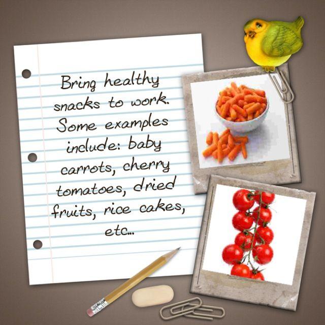 إحضار وجبات خفيفة صحية للعمل بعض الأمثلة على ذلك الجزر الصغير والطماطم الصغيرة الفواكه المجففة وكعك الأرز وما إلى ذلك Rice Cakes Dried Fruits Snacks