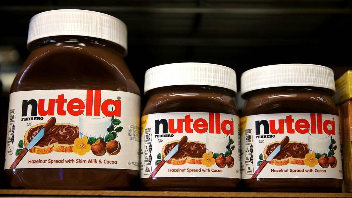 Nutella besteht ausschließlich aus besten Rohstoffen. So bewirbt zumindest Ferrero seine beliebte Nuss-Nougat-Creme. Dass dem gar nicht so ist, entlarvt ...