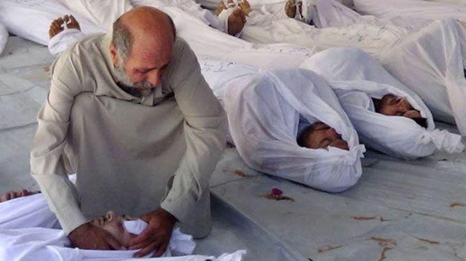 Een voormalige fotograaf van de Syrische militaire politie heeft bewijsmateriaal vrijgegeven van systematische folteringen en moorden door regeringstroepen in de Syrische gevangenissen.
