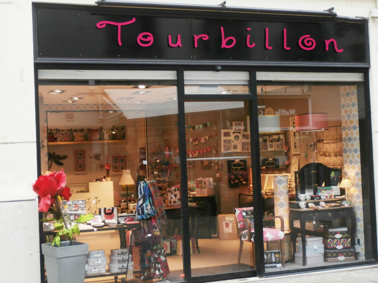 Tourbillon 11 Rue Des Halles 44000 Nantes Deco Parfums D Interieur Nantes