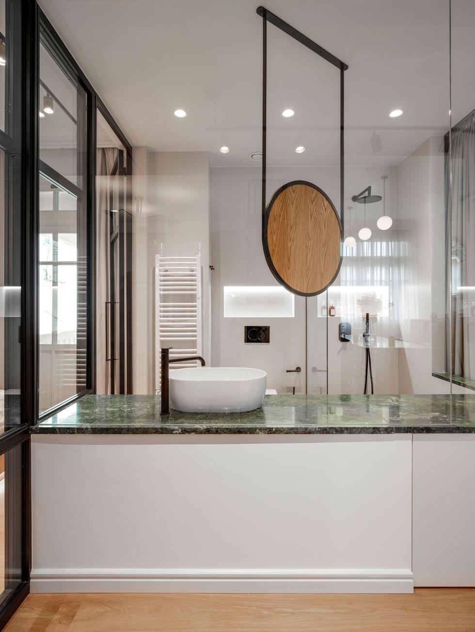 Des Cloisons Interieures Vitrees Pour Un Appartement Transparent