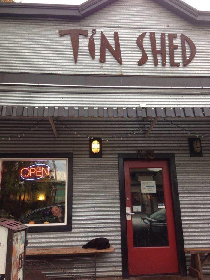 12 Best Restaurants That Serve Brunch In Portland Tin Shed Backyard Design Garden Cafe