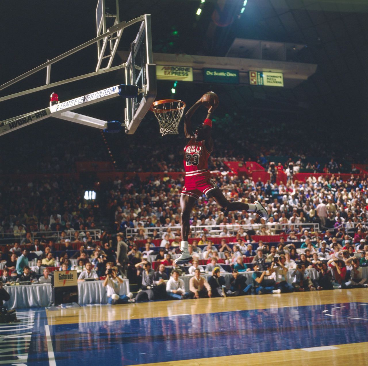 best loved 54b8d 2ad5f 1987 NBA Slam Dunk Contest