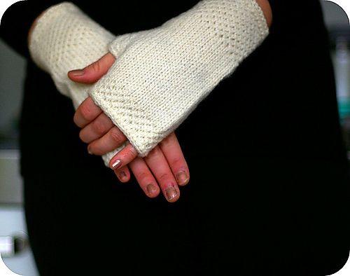 Ravelry: honeycomb wrist warmers elegant free pattern ...