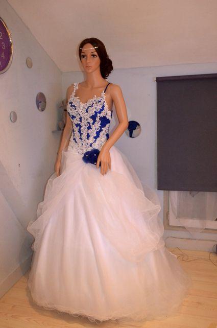 robe de mari e neuve bleu royale blanche robes de mari e. Black Bedroom Furniture Sets. Home Design Ideas
