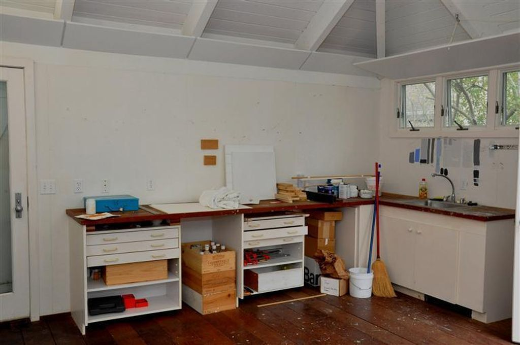 529 Commercial St Provincetown Ma 02657 Mls 21310235 Zillow Interior Home Family Home