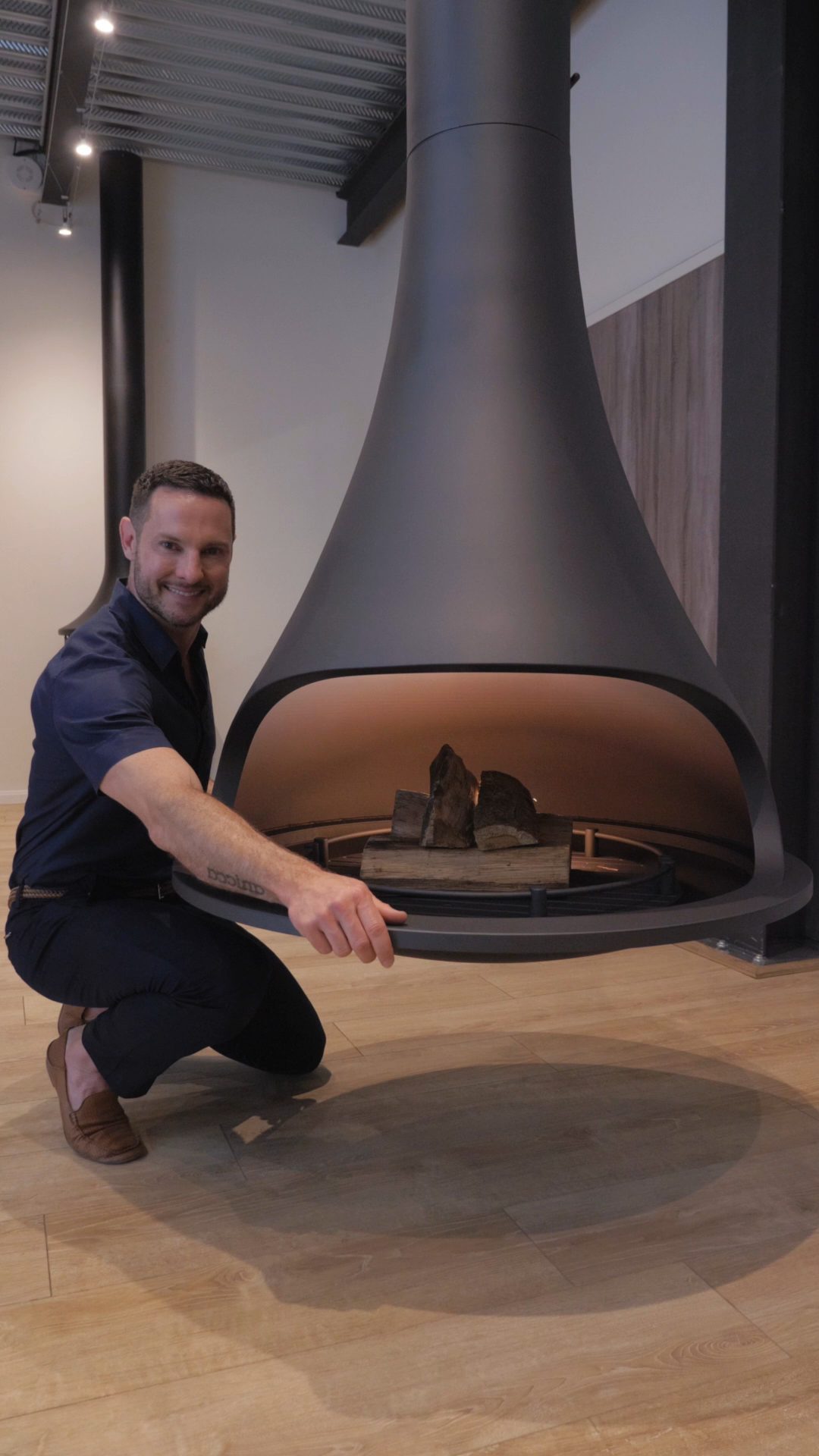 Looking to add a WOW factor in your home? Suspended and rotating the Bordelet Tatiana was one of Darren Palmer's favourites during his recent visit at the JCBordelet factory in Montpellier, France! Thinking of where to install it? Speak to one of our stockists!