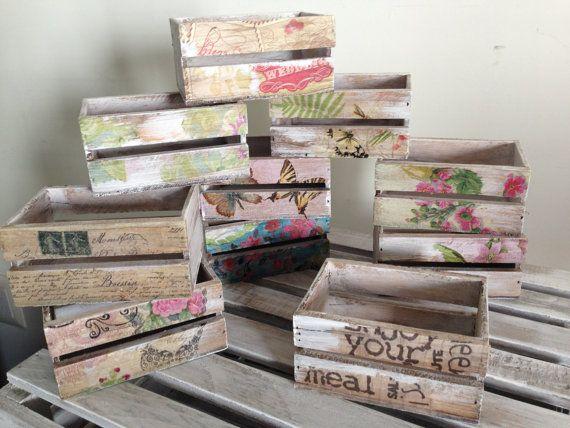 Huacales pintados y decorados estilo vintage por - Como decorar cajas de madera estilo vintage ...