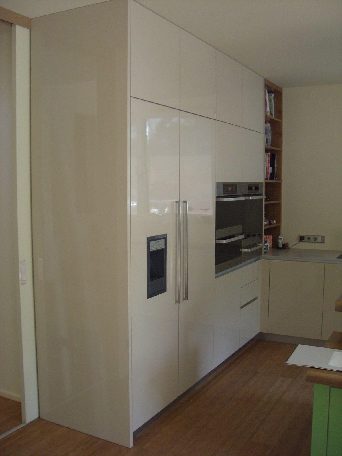 Küche in Hochglanzlack Küche einrichten, Küchen planung