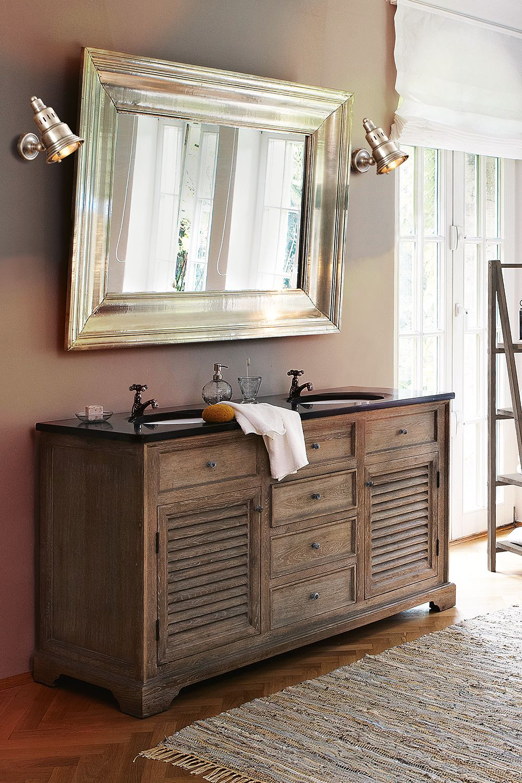 Elegant und rustikal zugleich hat dieser Waschtisch mit ...