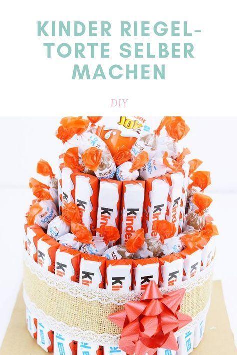 """Riegel-Torte selber machen - DIY Geschenkidee Der Sommermonat Juli wird aber auch für viele ein Fest der Freude, denn auch in diesem Monat stehen eine Vielzahl an Geburtstagen an.   Passend dazu habe ich in den vergangenen Tagen mit der """"Produktion"""" ihrer Geschenke begonnen und mich heuer für eine g"""