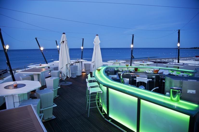 Sainte maxime barco beach restaurant la nartelle 83120 ste maxime france 33 4 94 96 46 49 - Cafe de france sainte maxime ...