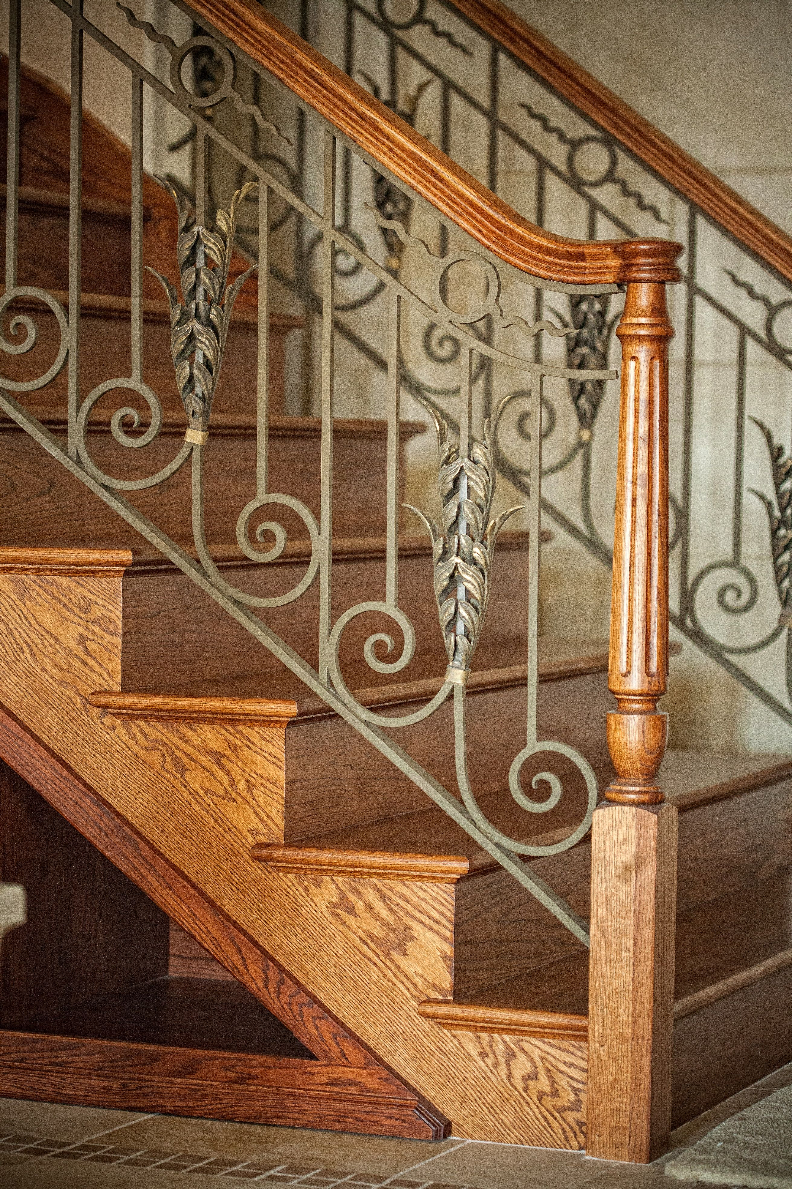 Wood And Iron With Custom Color And Acanthus Leaves To