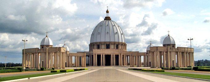 Basilica Nostra Signora della Pace costa d'avorio tempio piu grande del mondo