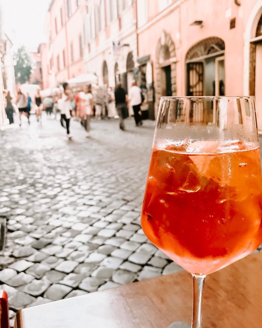 Who S Thirsty For Some Classic Aperol Spritz You Can Make Your Own With These Simple Steps Pour The Aperol Into The Glass First Over Ice We Like To Serve Ou