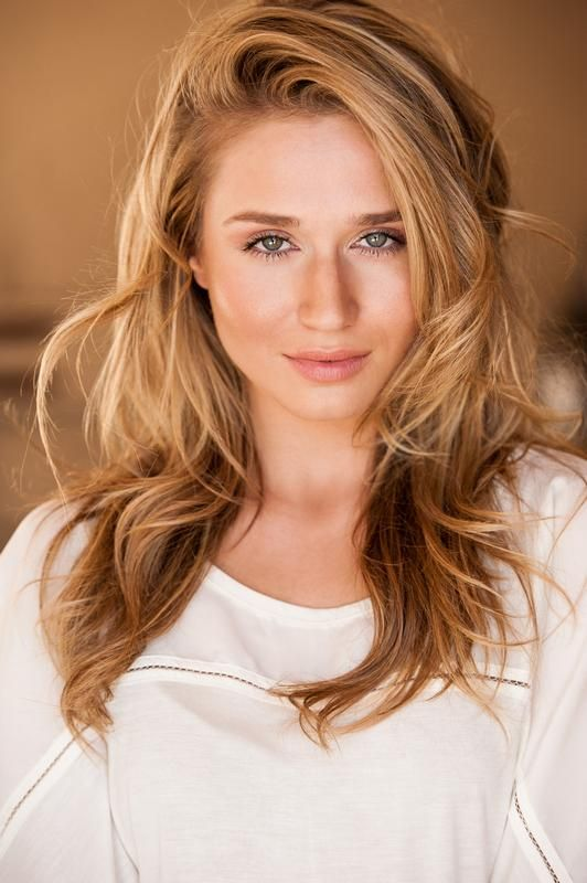 Rita Volk height