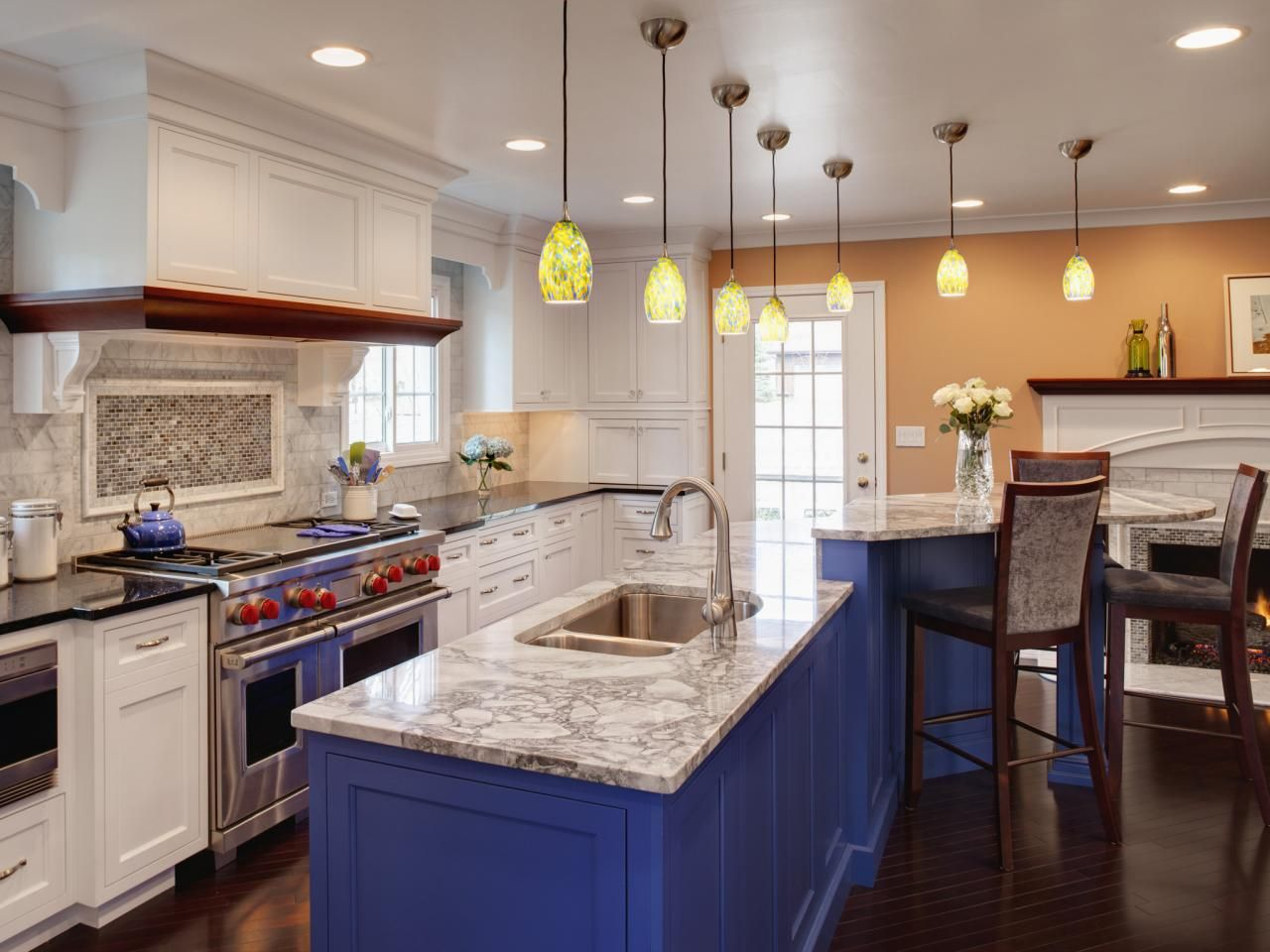Painting kitchen cabinets ideas pictures hgtv kitchen ideas small