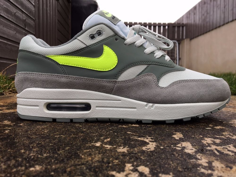 Nike Air Max 1 Size 8 UK EU 42.5 Mica Green Trainers Men's