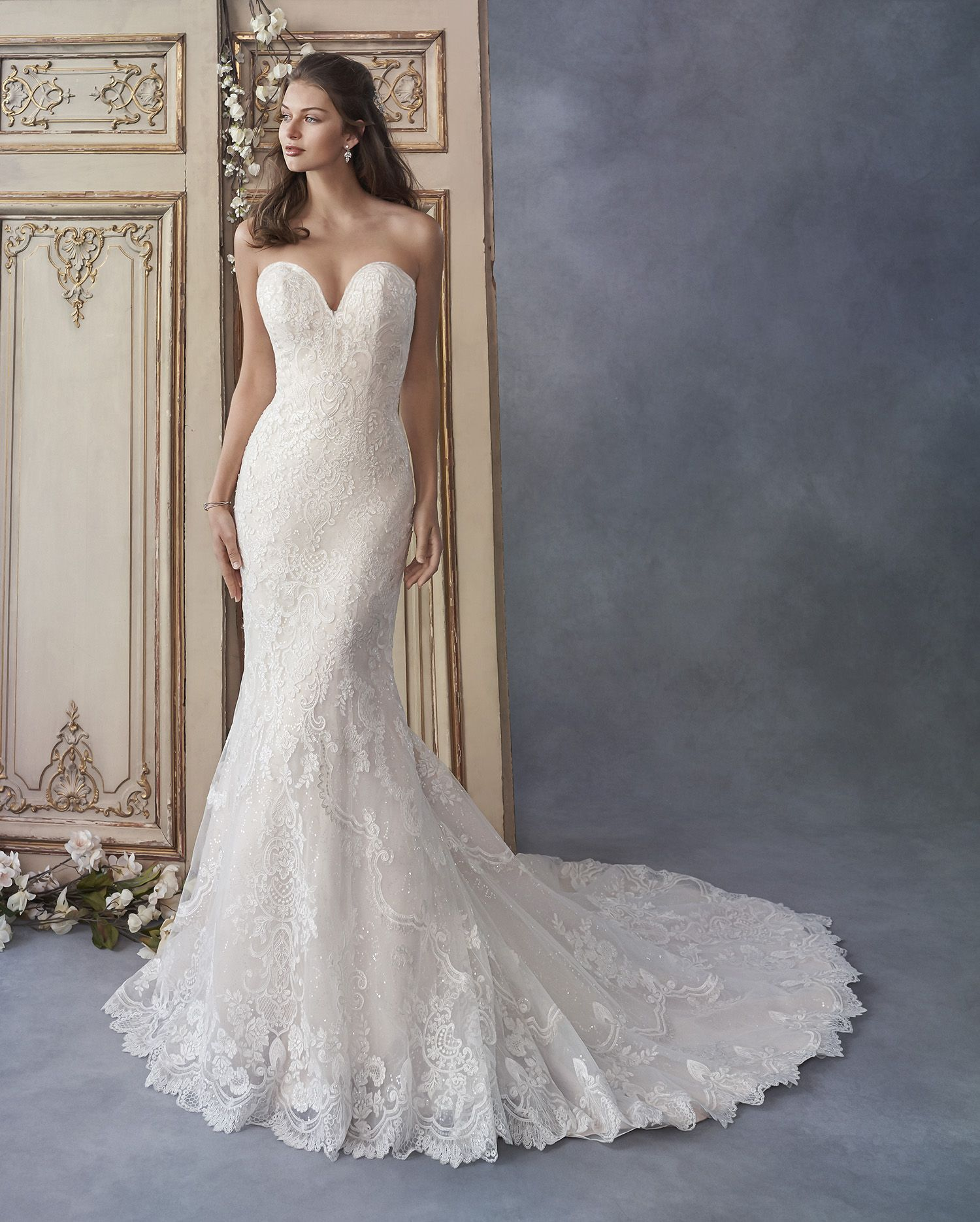 Kenneth Winston 1802 Strapless Fit And Flare Lace Gown With A Sweetheart Neckline A Bling Wedding Dress Kenneth Winston Wedding Dresses Wedding Dresses Lace [ 1870 x 1500 Pixel ]