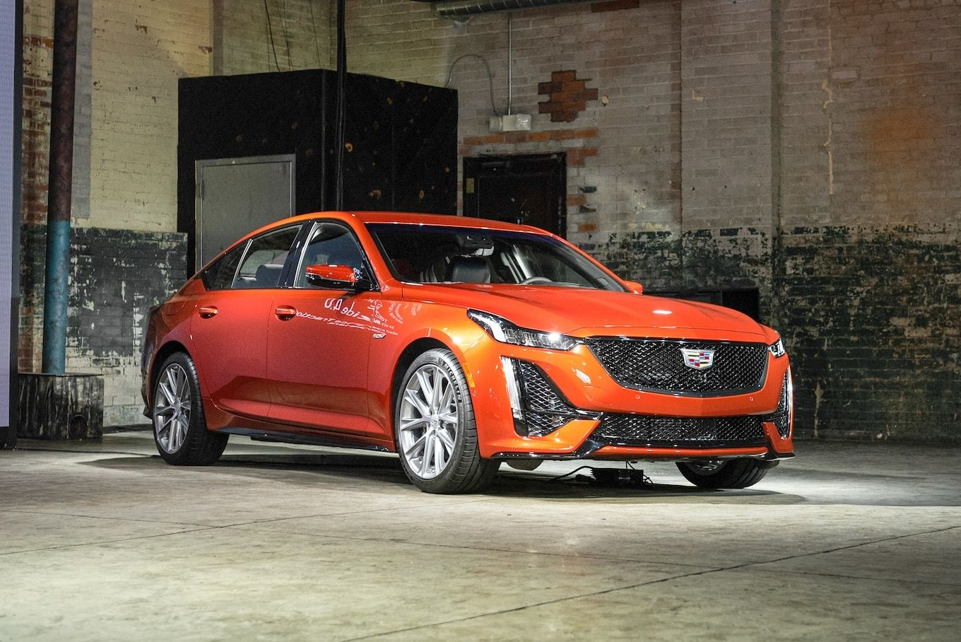 Cadillac modifies the idea of American Highend with the