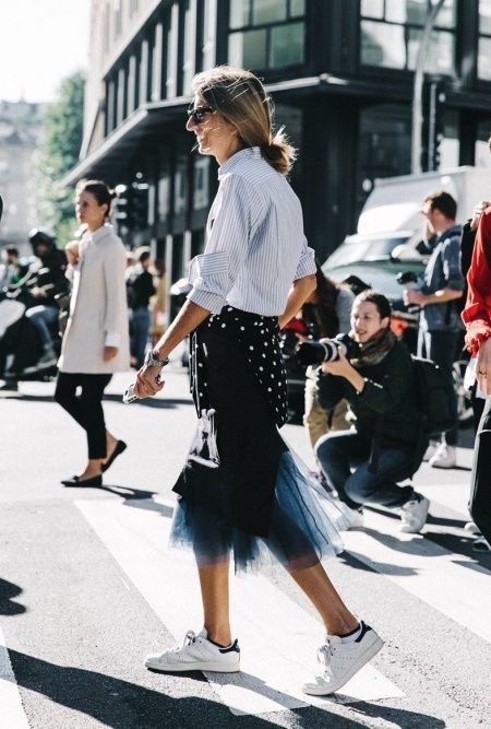 ed84a57ad304 How to wear sneakers to work  Savoir Flair shares easy tips and fail-safe outfit  ideas to nail the look with the help of the perfect wardrobe essentials.