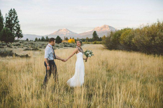 Oregon Mountain Meadow Elopement Carlee Garret Green Wedding Shoes Wedding Venues Oregon Oregon Mountains Wedding Pictures