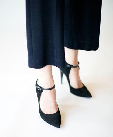 Black Gretel Buckled Heel