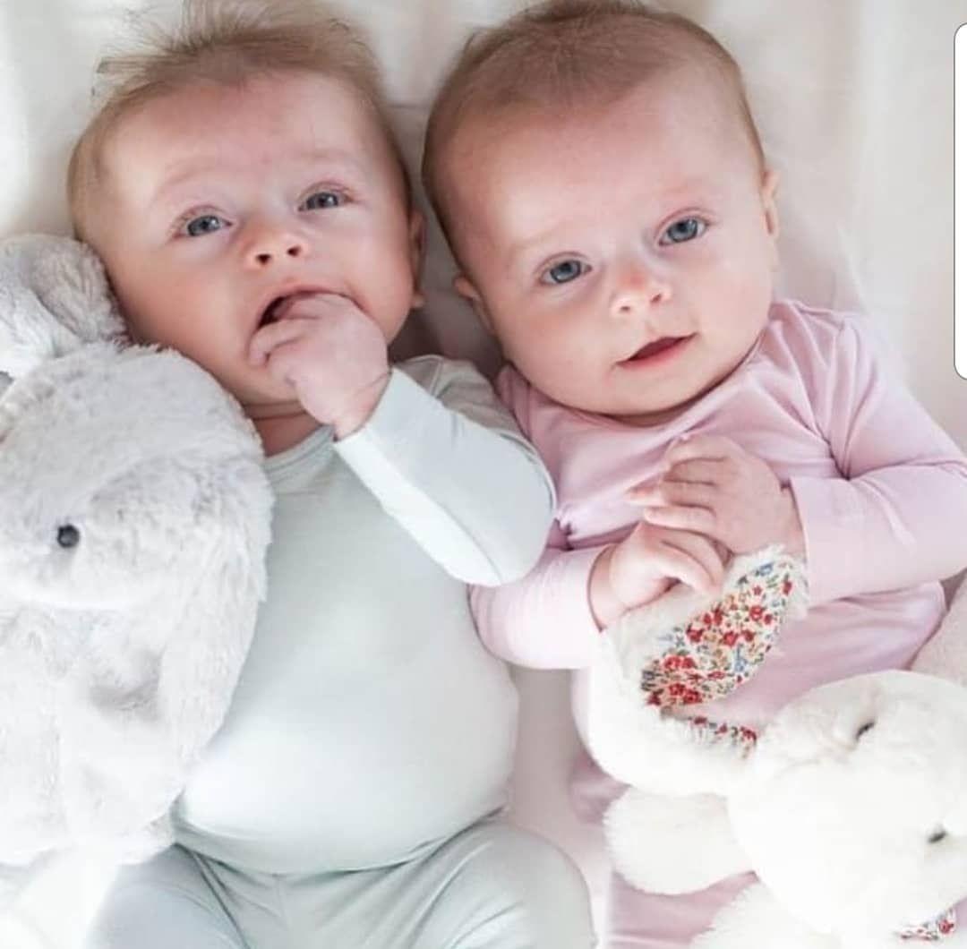 Babycute Twin Twins Baby اطفال توينز توأم مساء مساء الخير صور صوره توام تصميم تصاميم مواليد رمزيه كيوت كياته اكسبلور صباح Instagram Posts Instagram Baby Face