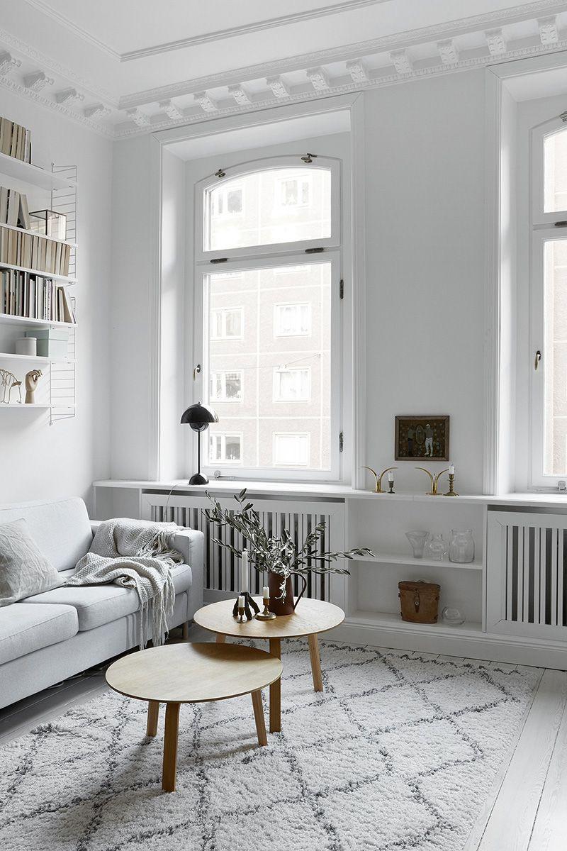 Klein Und Rund, In Zwei Höhen Lassen Sich Couchtische Immer Wieder Vor Dem  Sofa Leicht Arrangieren Wie Z.B. Dweller Beistelltisch ...