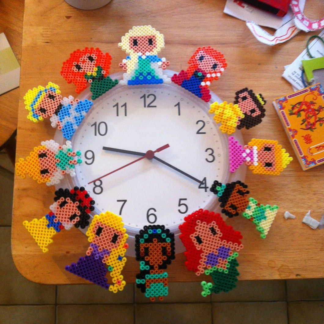 princesses disney hama perles repasser horloge diy grille hama pinterest horloges diy. Black Bedroom Furniture Sets. Home Design Ideas