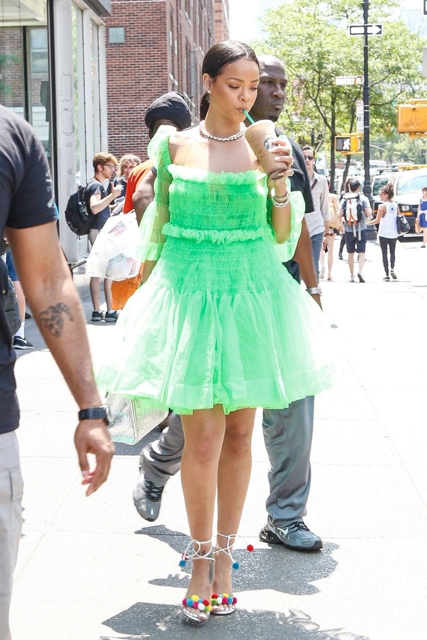 Pin On Rihanna [ 1280 x 854 Pixel ]
