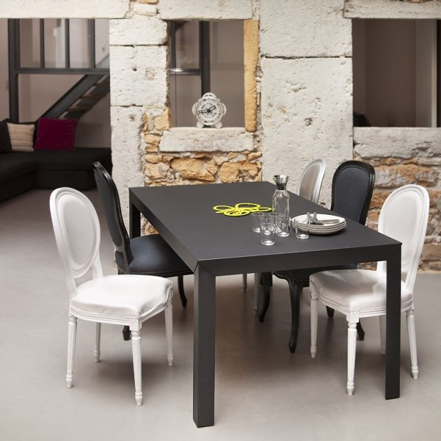 Table Zef Matiere Grise Table En Acier Matiere Grise Table