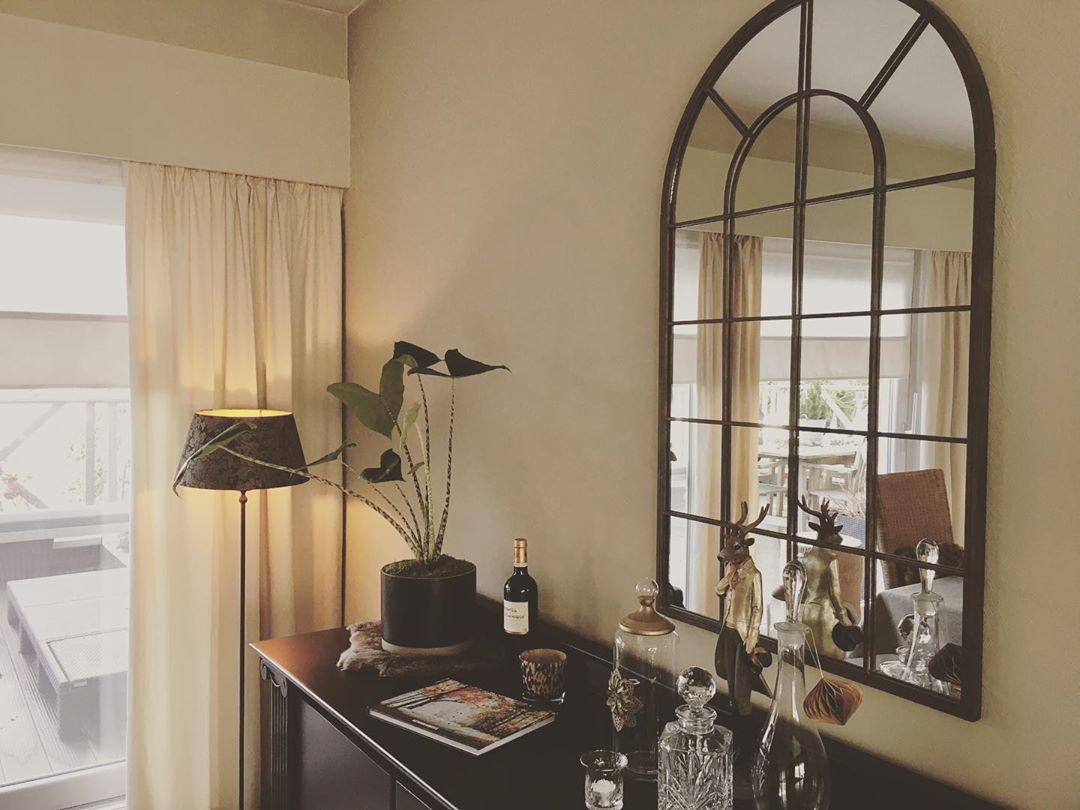 """dominique@home on Instagram: """"Rust in huis. Genieten van de stilte 🦋#interior #pastbook #home #happy #simpleliving #beletage #dominiqueathome"""""""