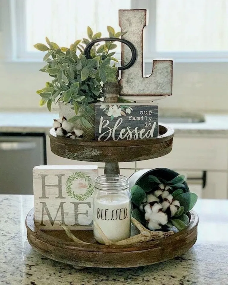 Small Homefront Design Ideas: 33+ Gorgeous Farmhouse Summer Decor And Design Ideas