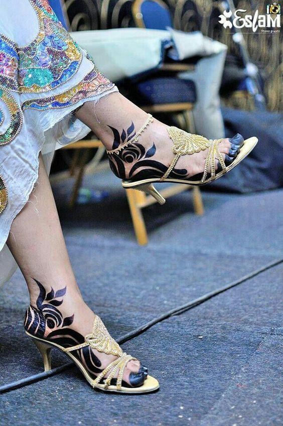 Waar Henna Tattoo Kopen: Tatoeages Op Het Been Voor Meisjes (With Images)