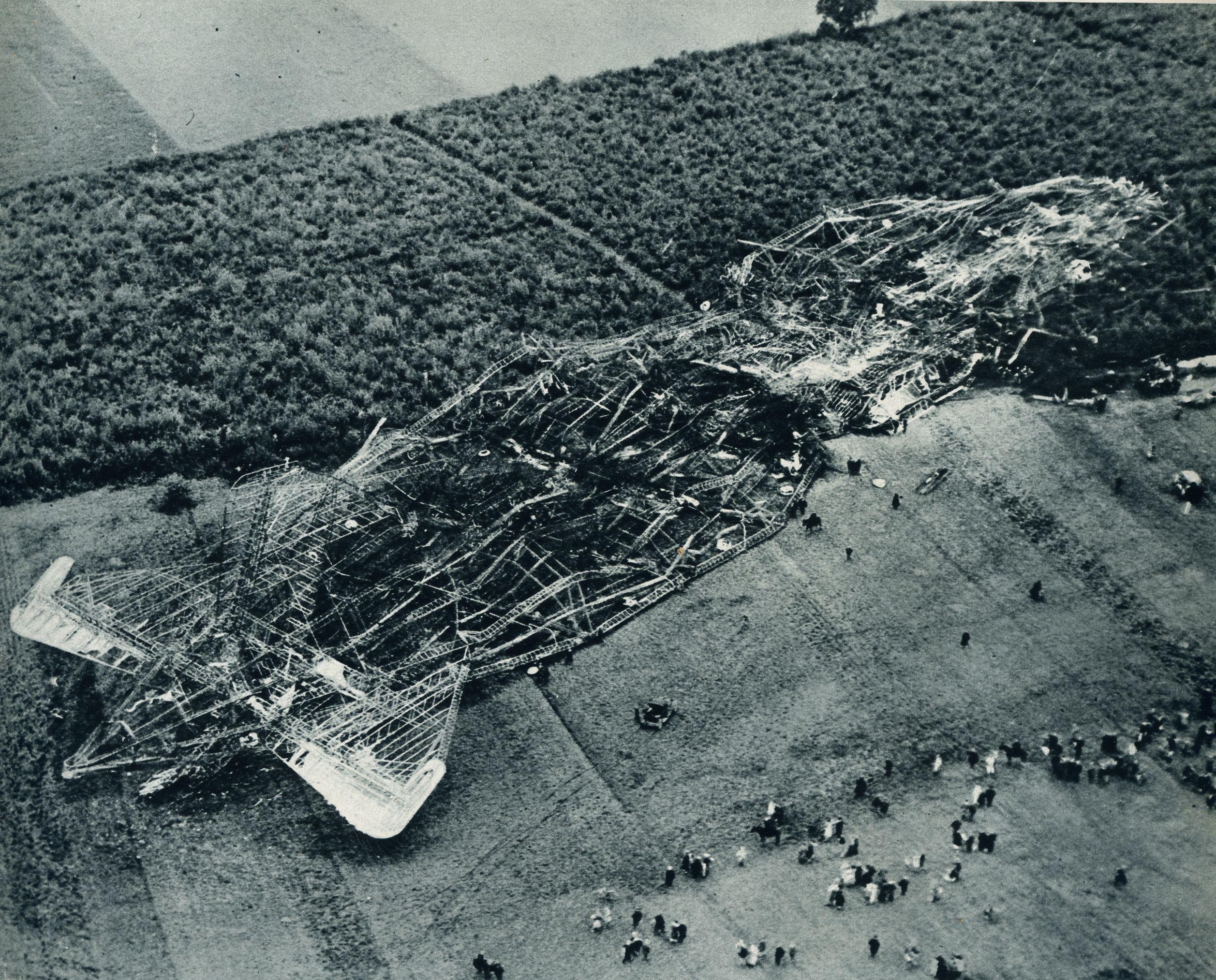 R101 Airship crash | Airship balloon, Airship, Zeppelin airship