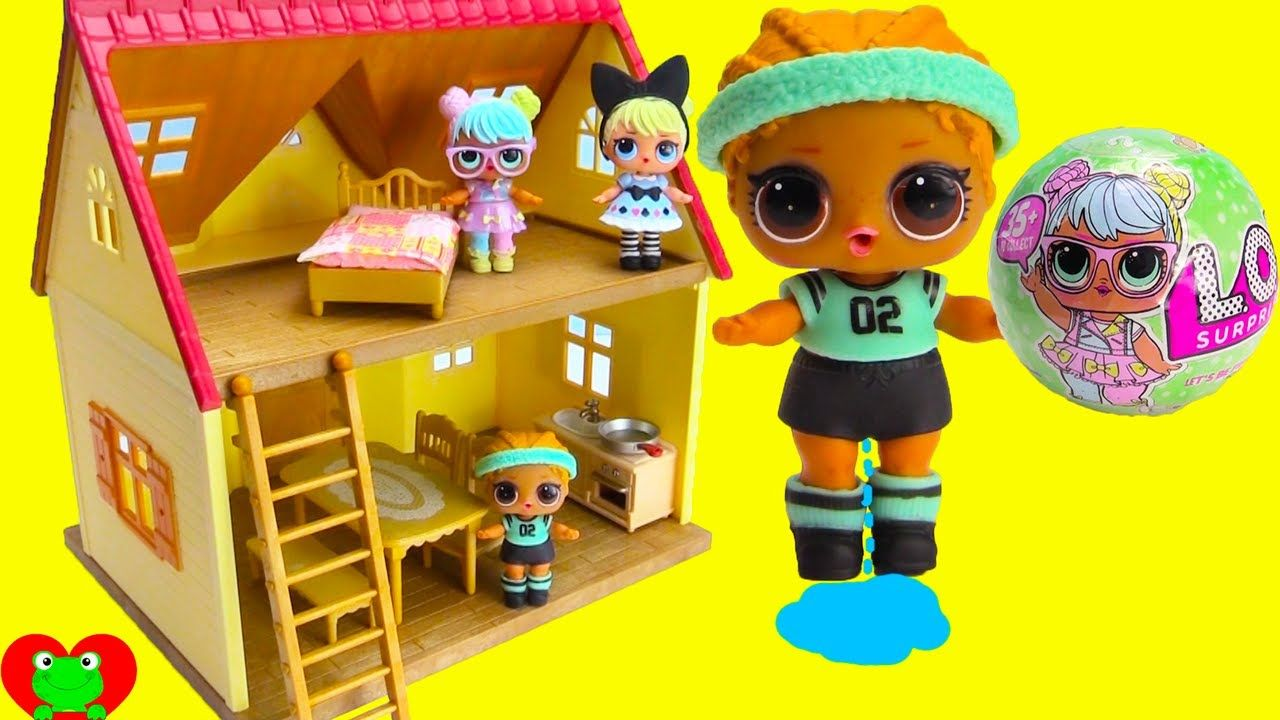 abfba353a6 LOL Surprise Dolls Move Into New House