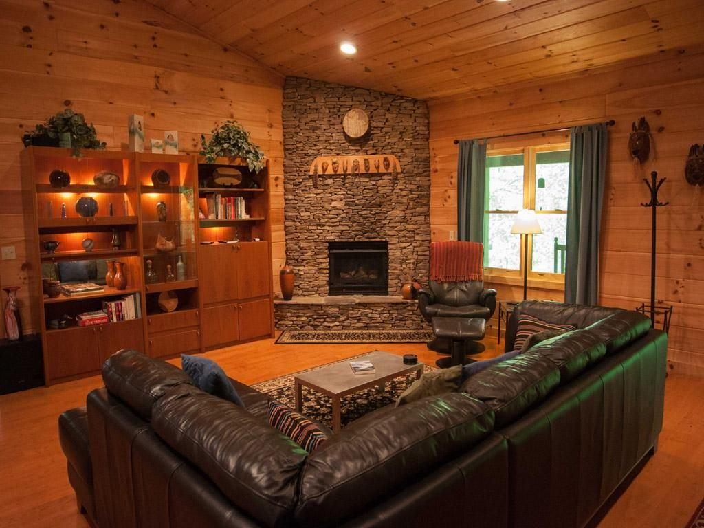 Corner fireplace | For our house | Pinterest | Log cabin living ...