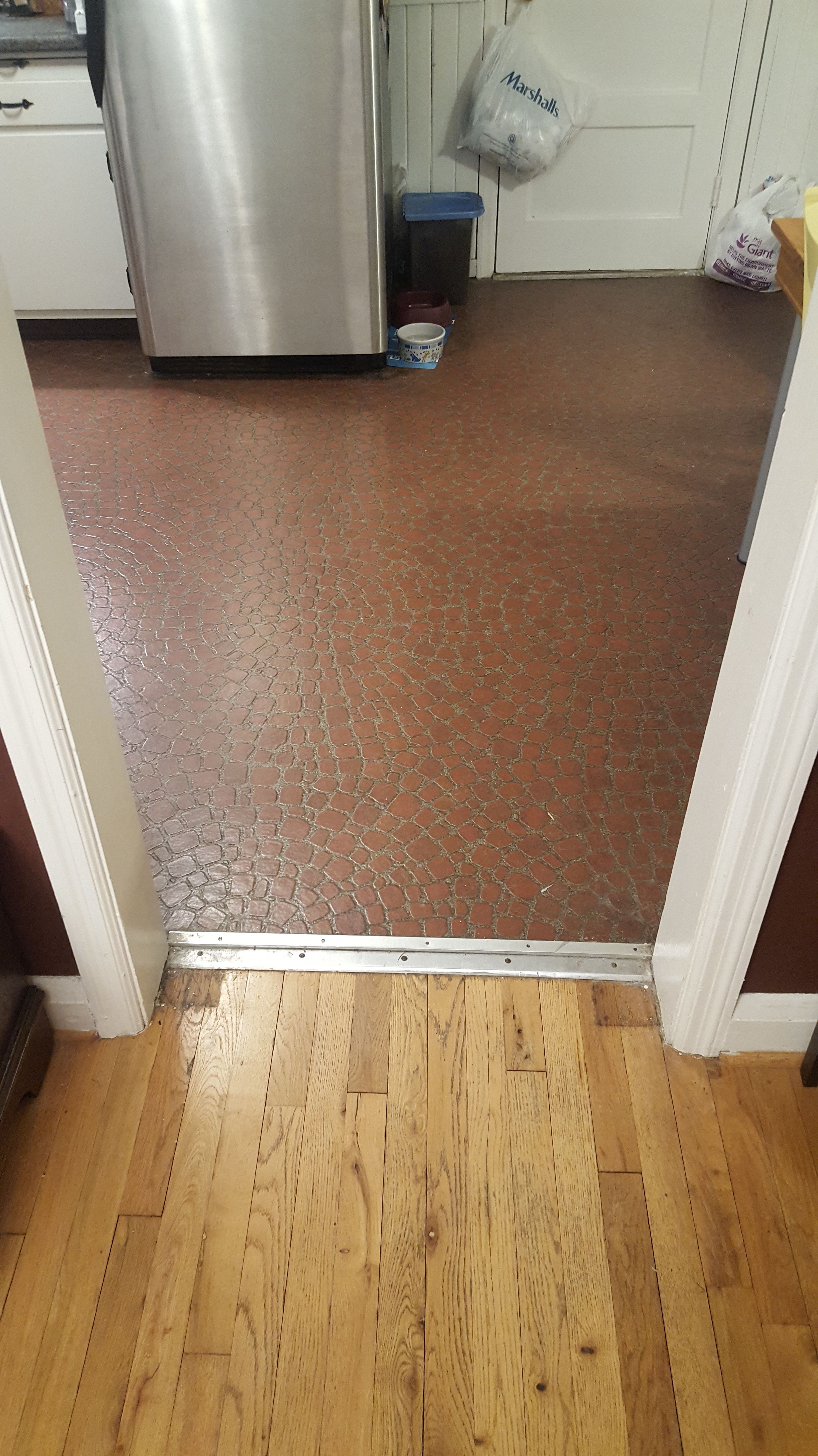 Threshold between kitchen and dining. replacing kitchen floor with ? & Threshold between kitchen and dining. replacing kitchen floor with ...