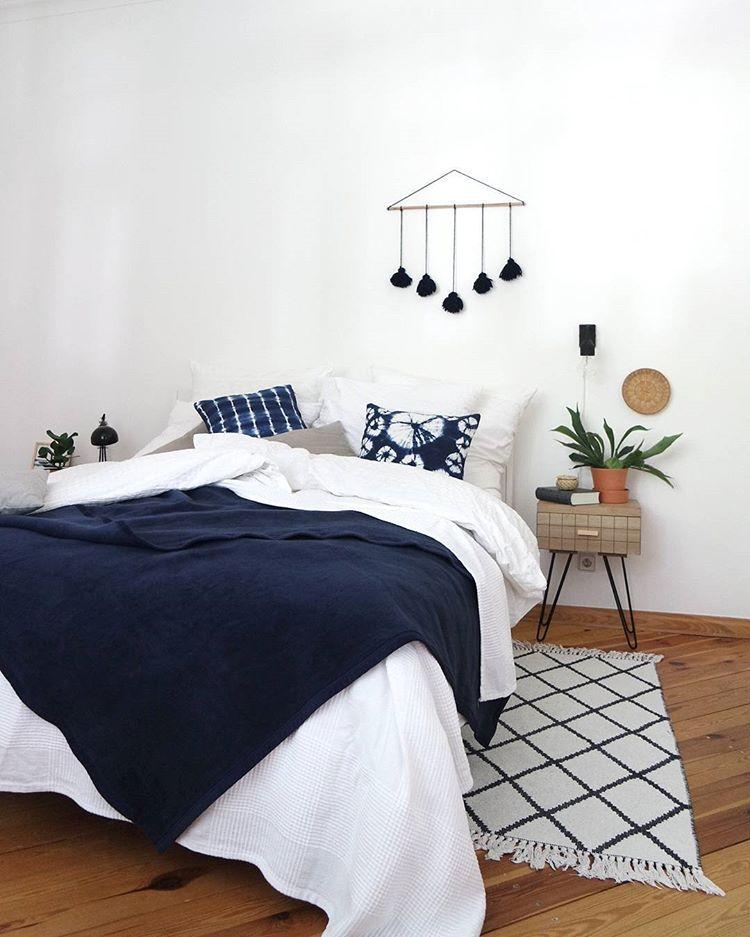 Blaue Einrichtung Blau Interior Inneneinrichtung Schlafzimmer Inspiration Schlafzimmerideen Schlafzimmereinri Wohnen Haus Deko Schlafzimmer Einrichten