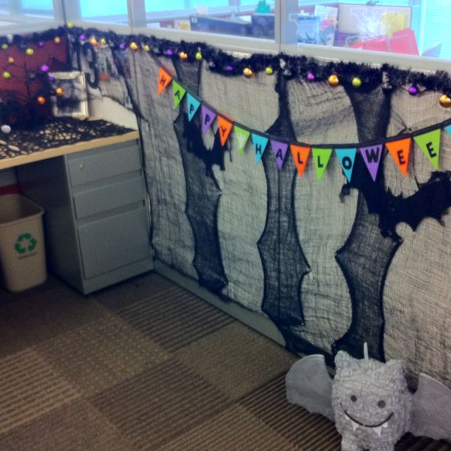 My desk at work halloween 39 d out my cubicle pinterest for Cubicle theme ideas